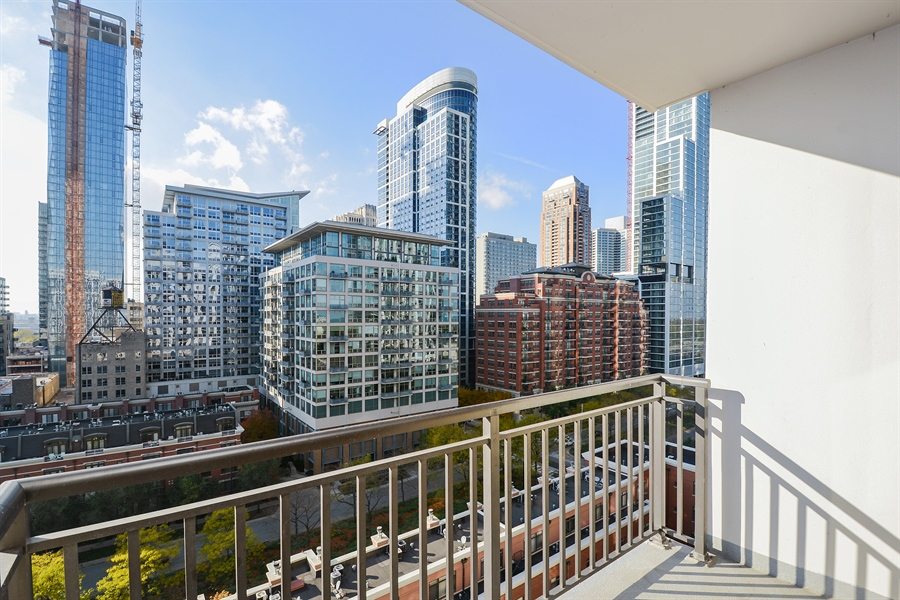 Real Estate Photography - 1322 S Prairie, unit 1105, Chicago, IL, 60605 - Balcony