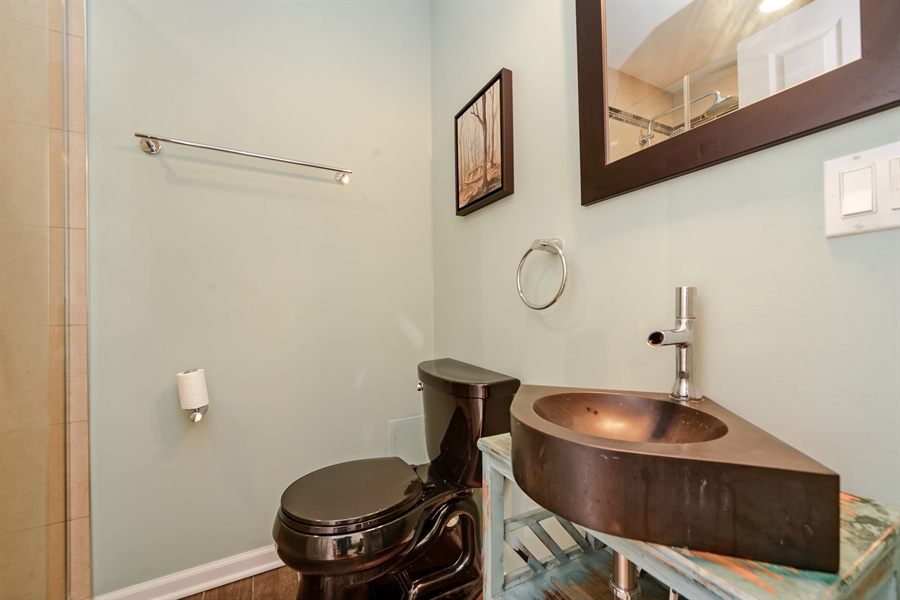 Real Estate Photography - 2443 N. Kedzie, 2, Chicago, IL, 60647 - Bathroom