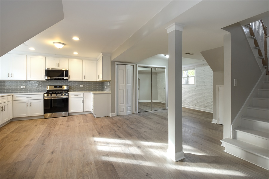 Real Estate Photography - 530 S Buffalo Grove Rd, buffalo grove, IL, 60089 - Kitchen
