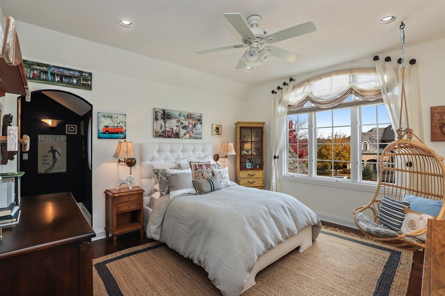 Real Estate Photography - 1685 Burr Oak Drive, Libertyville, IL, 60048 - Bedroom