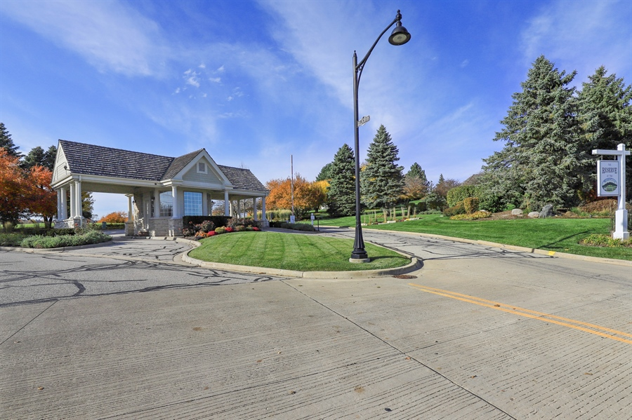 Real Estate Photography - 1685 Burr Oak Drive, Libertyville, IL, 60048 - Entryway