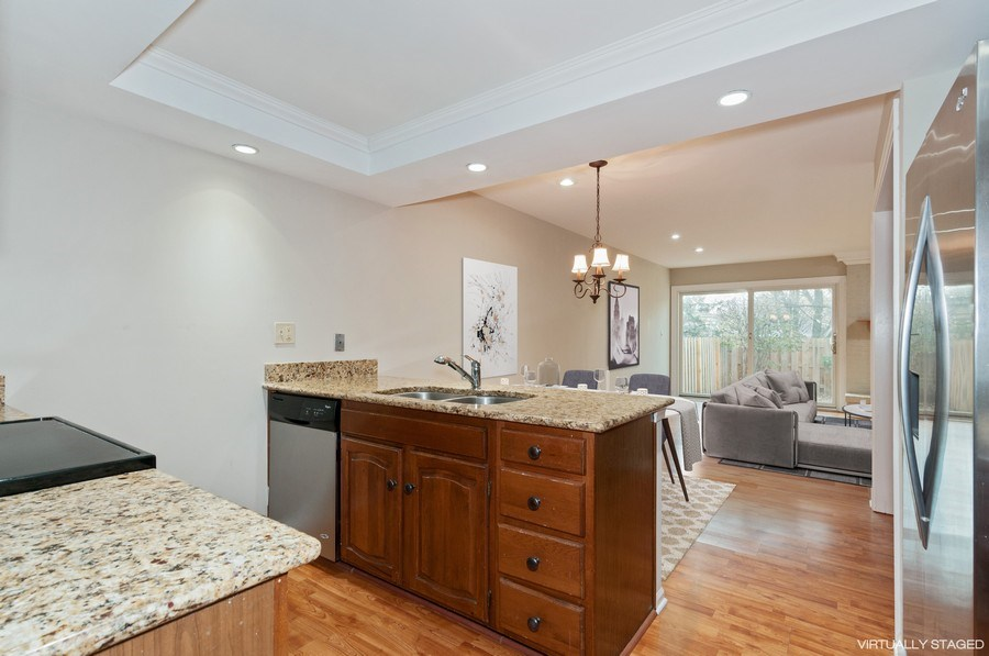 Real Estate Photography - 1068 Creekside, Wheaton, IL, 60189 - Kitchen