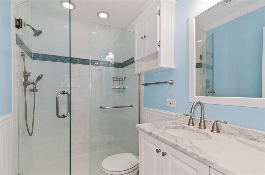Real Estate Photography - 1068 Creekside, Wheaton, IL, 60189 - Bathroom