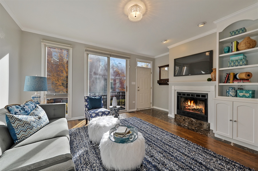 Real Estate Photography - 1522 W School St, Chicago, IL, 60657 - Living Room
