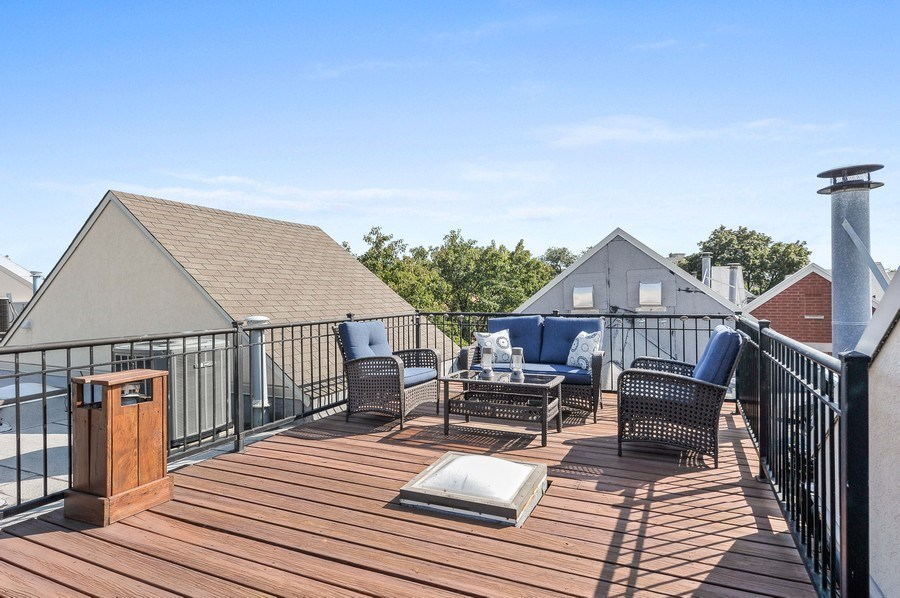 Real Estate Photography - 1522 W School St, Chicago, IL, 60657 - Roof Deck