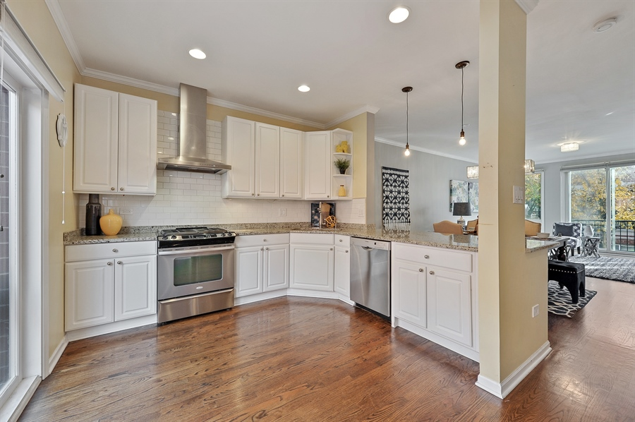 Real Estate Photography - 1522 W School St, Chicago, IL, 60657 - Kitchen