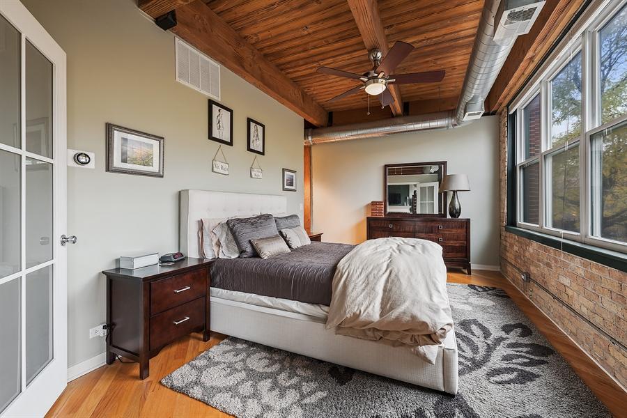 Real Estate Photography - 3201 N Ravenwood, Unit 211, Chicago, IL, 60657 - Master Bedroom