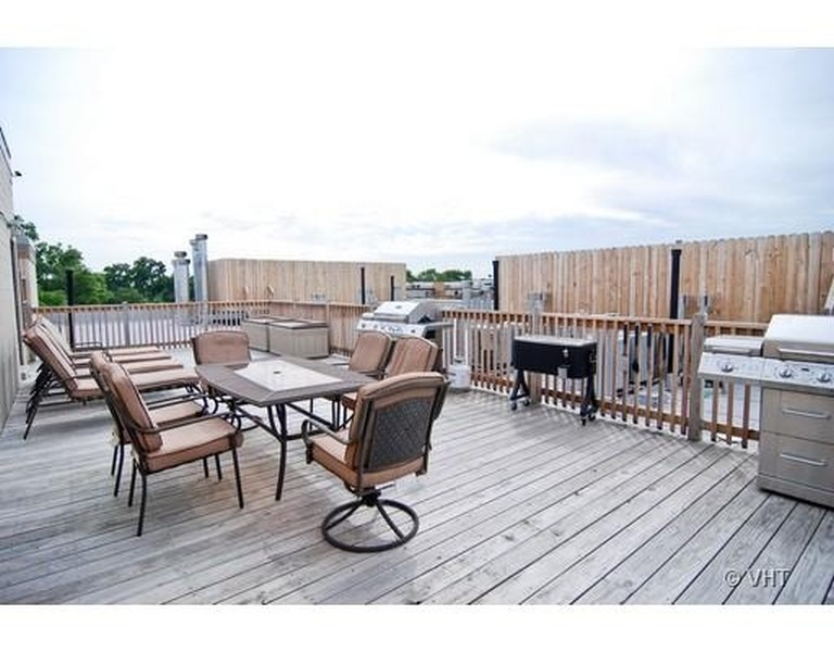 Real Estate Photography - 3201 N Ravenwood, Unit 211, Chicago, IL, 60657 - Common Roof Deck