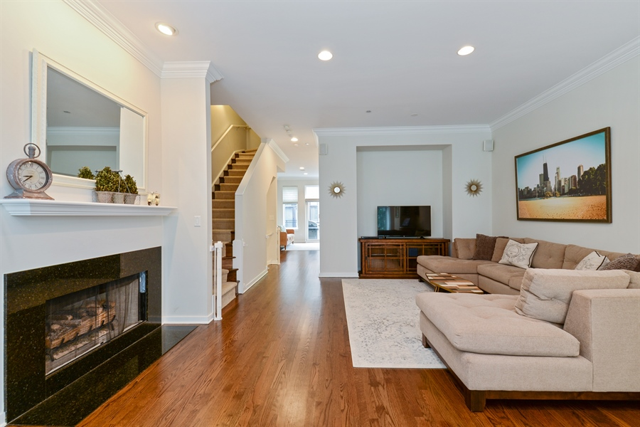 Real Estate Photography - 2900 N Paulina, Chicago, IL, 60657 - Living Room