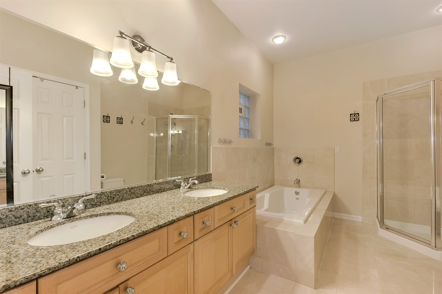 Real Estate Photography - 3233 North Racine, 1, Chicago, IL, 60657 - Master Bathroom
