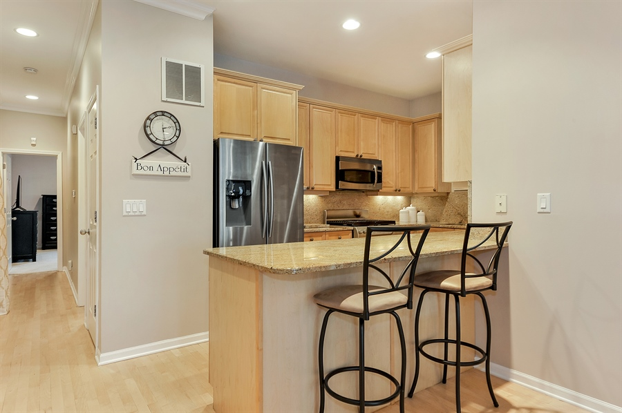Real Estate Photography - 3233 North Racine, 1, Chicago, IL, 60657 - Kitchen / Breakfast Room