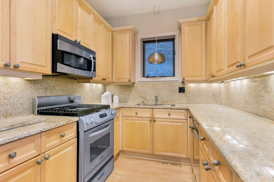 Real Estate Photography - 3233 North Racine, 1, Chicago, IL, 60657 - Kitchen