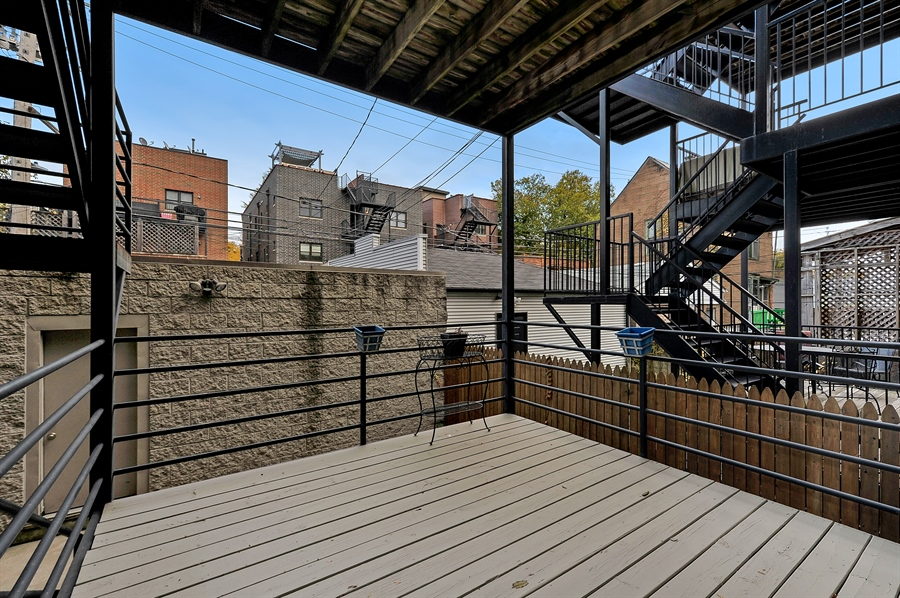 Real Estate Photography - 3233 North Racine, 1, Chicago, IL, 60657 - Deck