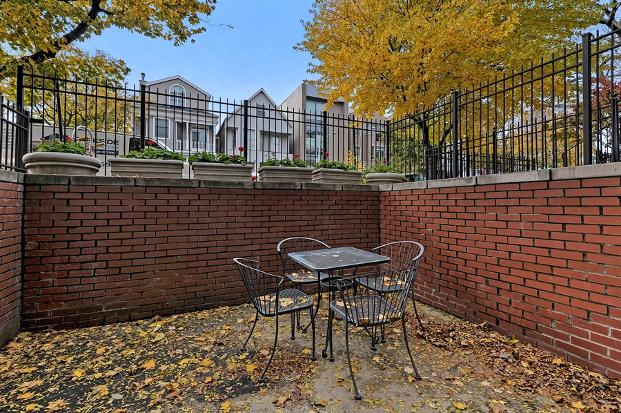 Real Estate Photography - 3233 North Racine, 1, Chicago, IL, 60657 - Patio