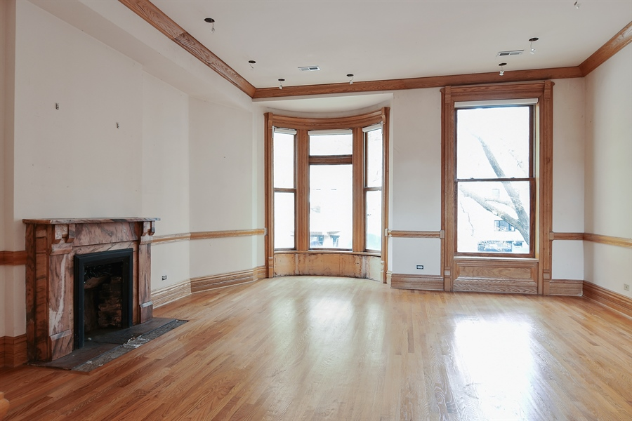 Real Estate Photography - 19 E Goethe, Chicago, IL, 60610 - Living Room