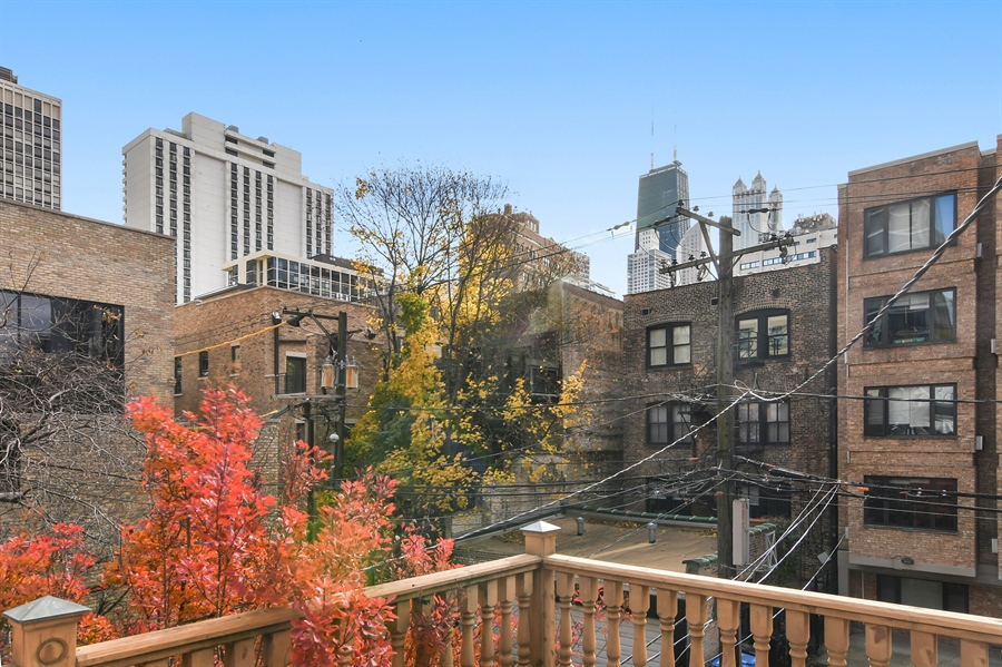 Real Estate Photography - 19 E Goethe, Chicago, IL, 60610 - City View