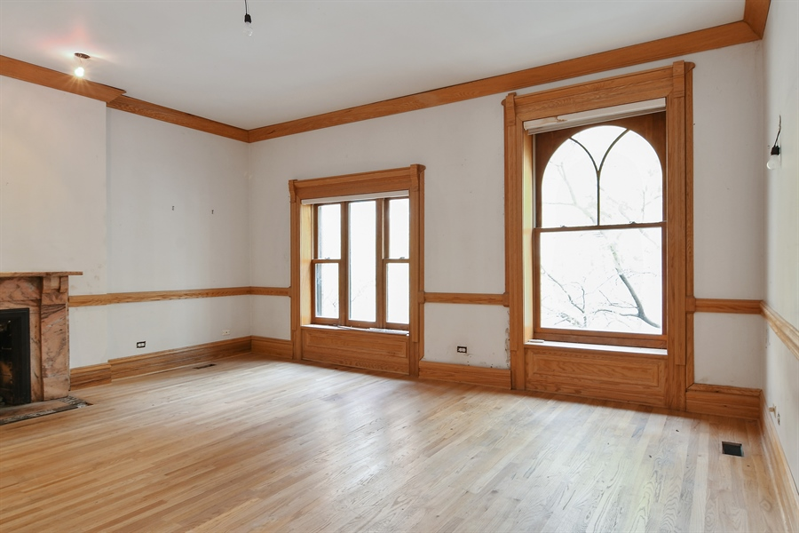 Real Estate Photography - 19 E Goethe, Chicago, IL, 60610 - Master Bedroom