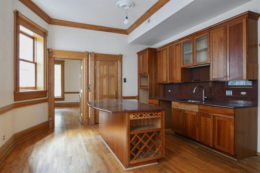 Real Estate Photography - 19 E Goethe, Chicago, IL, 60610 - Kitchen