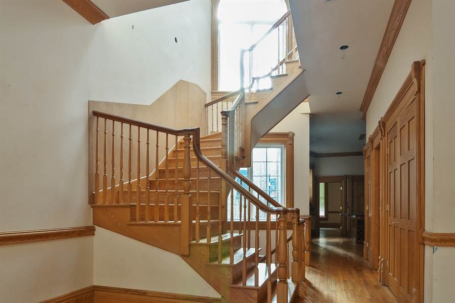 Real Estate Photography - 19 E Goethe, Chicago, IL, 60610 - Staircase
