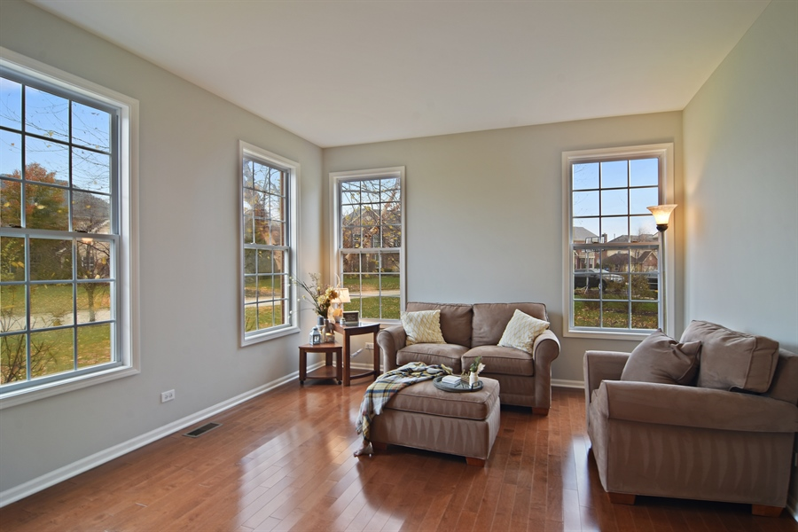 Real Estate Photography - 16 Deerfield, Hawthorn Woods, IL, 60047 - Living Room