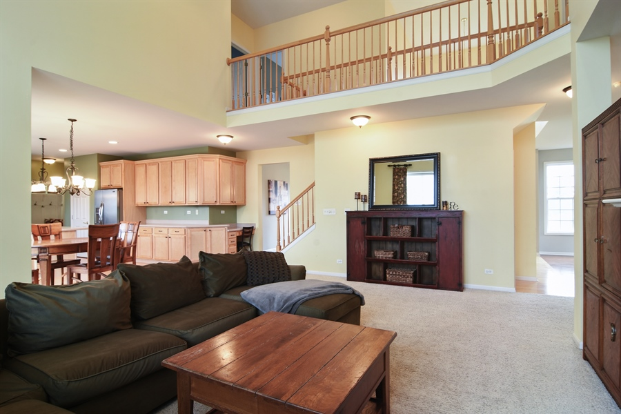 Real Estate Photography - 16 Deerfield, Hawthorn Woods, IL, 60047 - Great Room
