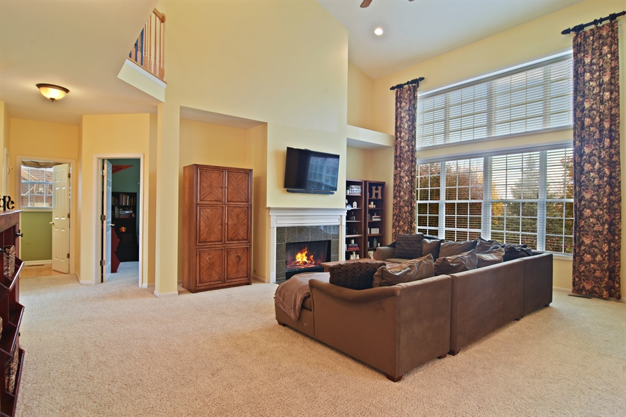 Real Estate Photography - 16 Deerfield, Hawthorn Woods, IL, 60047 - Family Room