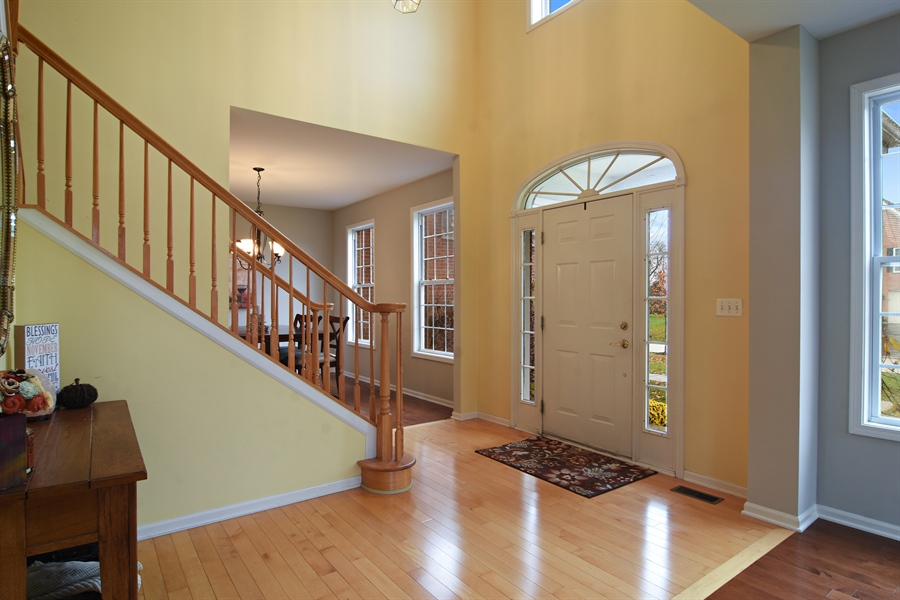Real Estate Photography - 16 Deerfield, Hawthorn Woods, IL, 60047 - Foyer