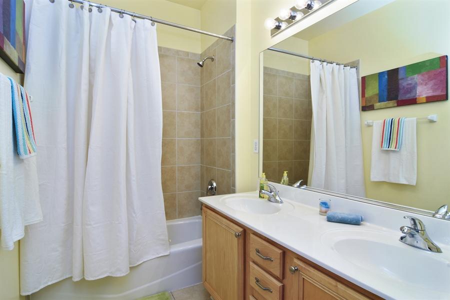 Real Estate Photography - 16 Deerfield, Hawthorn Woods, IL, 60047 - Bathroom