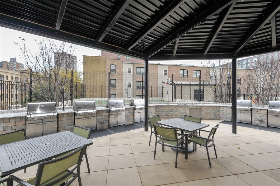 Real Estate Photography - 3930 N Pine Grove, 3110, Chicago, IL, 60613 - Patio