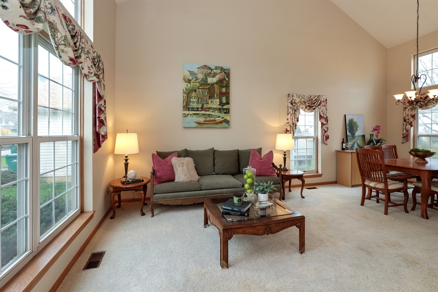 Real Estate Photography - 972 Dunhill, Grayslake, IL, 60030 - Living Room