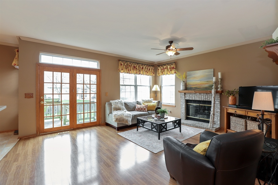 Real Estate Photography - 972 Dunhill, Grayslake, IL, 60030 - Family Room