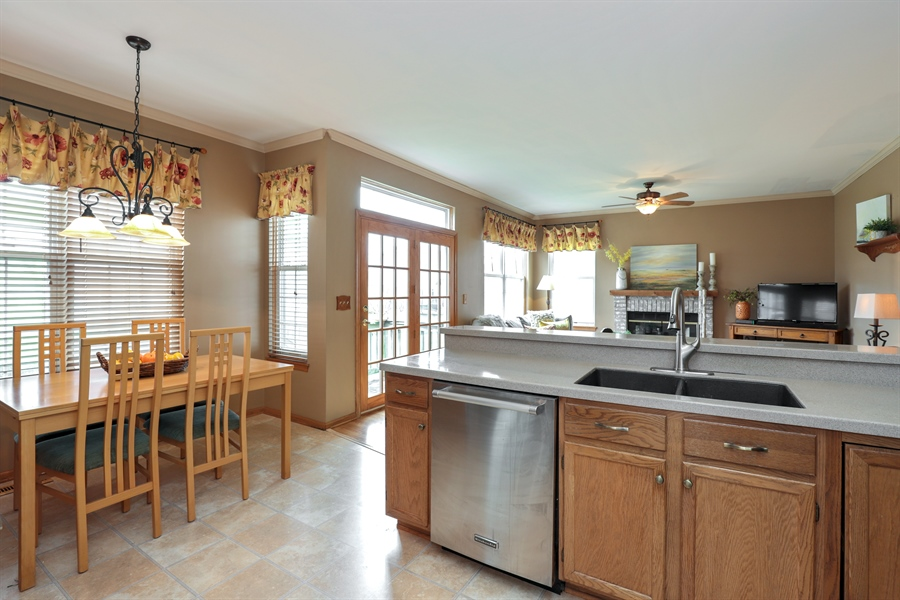 Real Estate Photography - 972 Dunhill, Grayslake, IL, 60030 - Kitchen