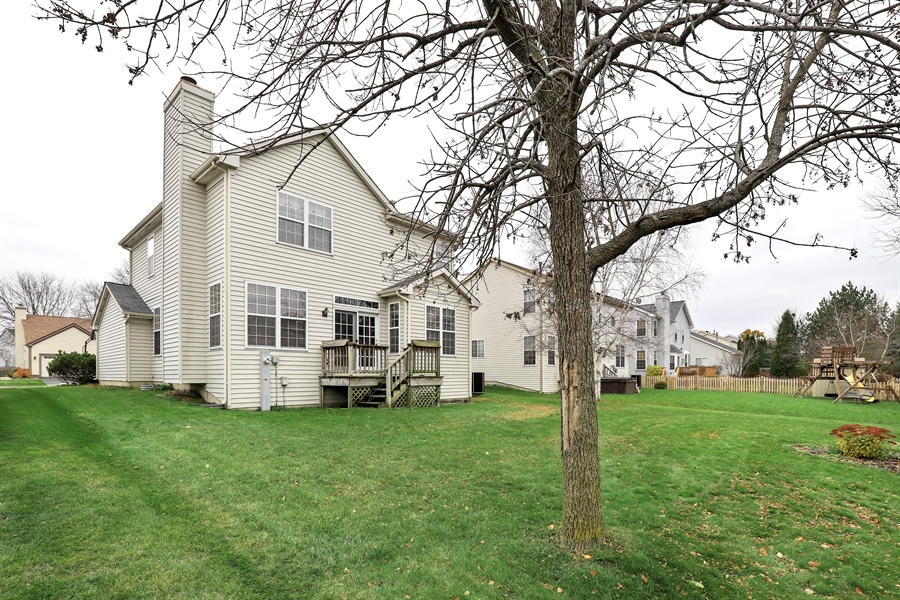 Real Estate Photography - 972 Dunhill, Grayslake, IL, 60030 - Rear View