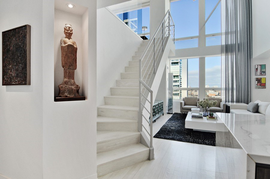 Real Estate Photography - 600 N Kingsbury, 1906, Chicago, IL, 60654 - Foyer/Living Room