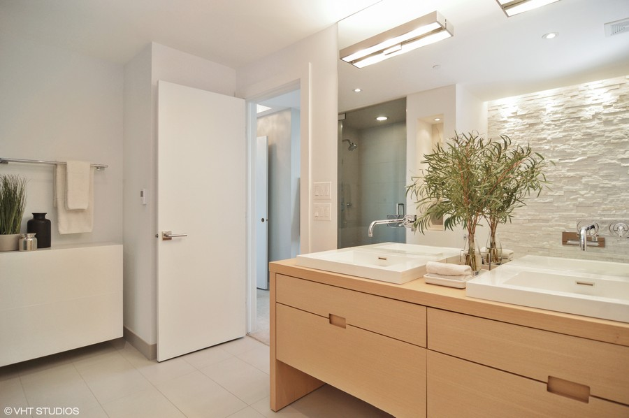 Real Estate Photography - 600 N Kingsbury, 1906, Chicago, IL, 60654 - Master Bathroom
