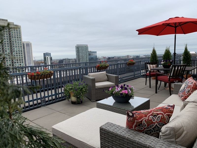Real Estate Photography - 600 N Kingsbury, 1906, Chicago, IL, 60654 - Roof Deck