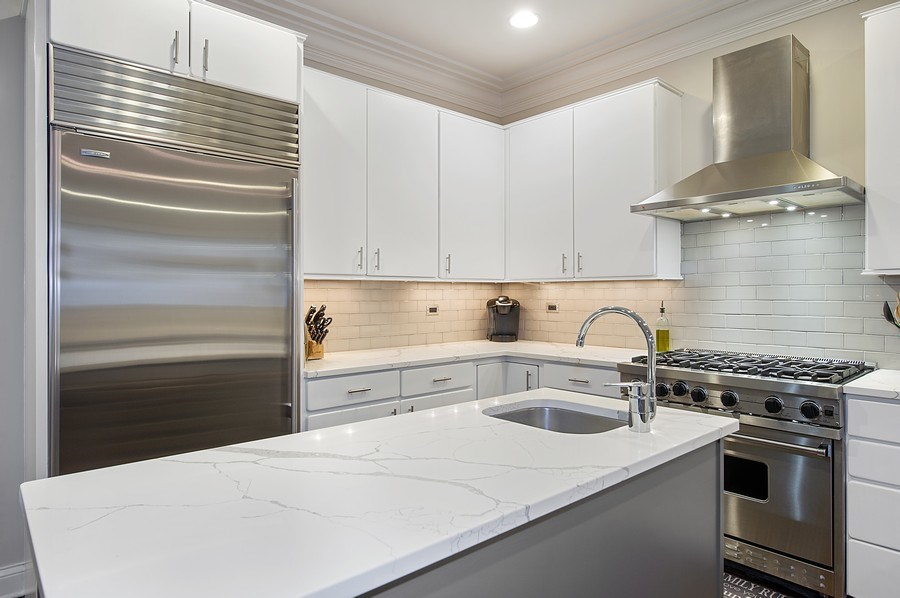Real Estate Photography - 2836 Racine Ave, Unit 1, Chicago, IL, 60657 - Kitchen