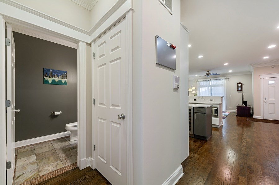 Real Estate Photography - 2836 Racine Ave, Unit 1, Chicago, IL, 60657 - Hallway