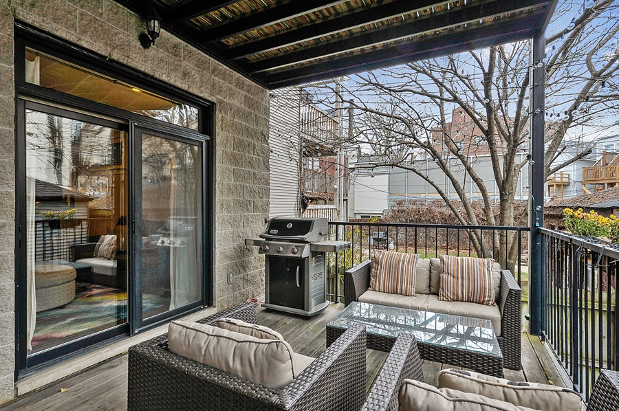 Real Estate Photography - 2836 Racine Ave, Unit 1, Chicago, IL, 60657 - Deck