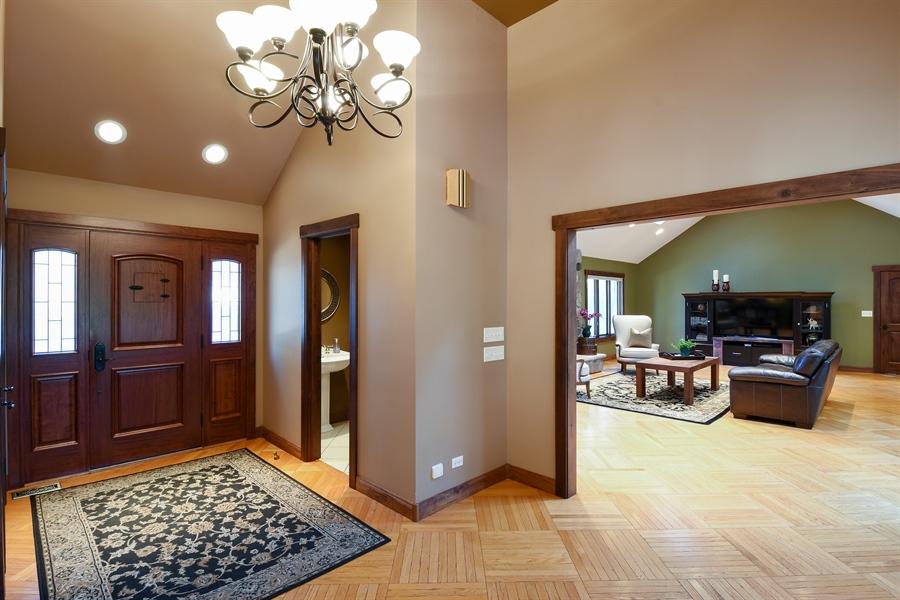 Real Estate Photography - 238 Biltmore Dr, North Barrington, IL, 60010 - Foyer
