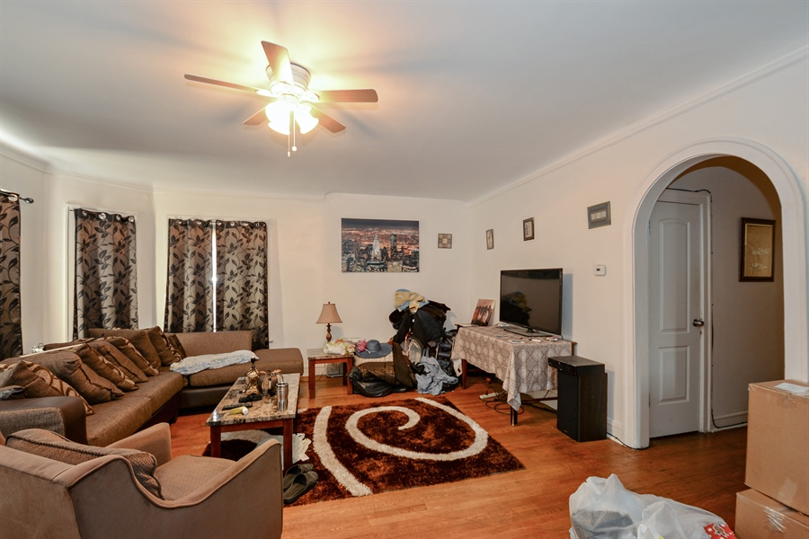 Real Estate Photography - 8159 S Justine, unit 2, Chicago, IL, 60620 - Living Room