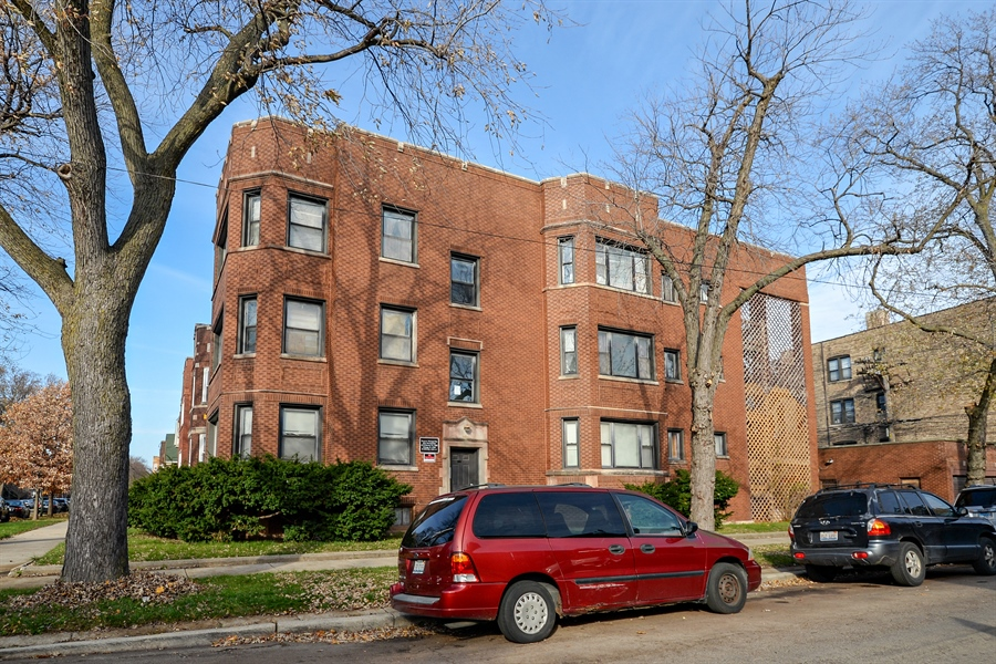 Real Estate Photography - 8159 S Justine, unit 2, Chicago, IL, 60620 - Front View
