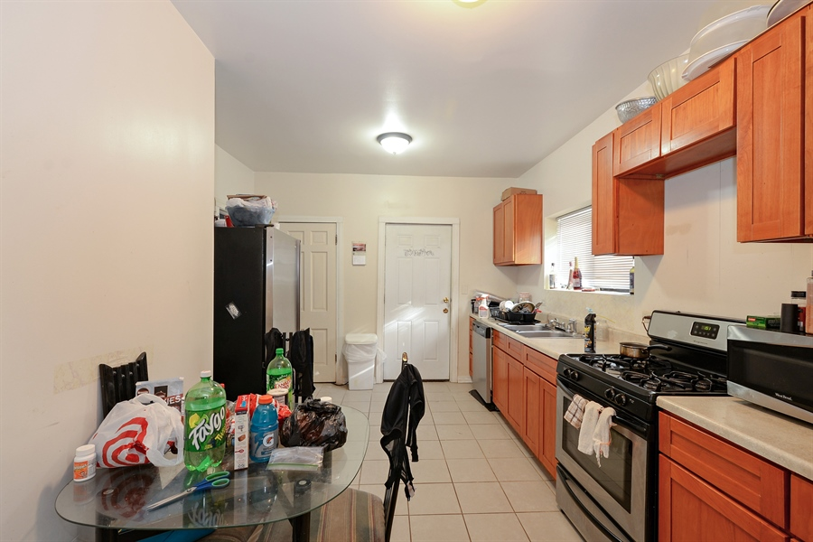 Real Estate Photography - 8159 S Justine, unit 2, Chicago, IL, 60620 - Kitchen