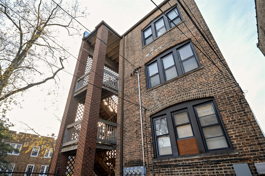 Real Estate Photography - 8159 S Justine, unit 2, Chicago, IL, 60620 - Deck