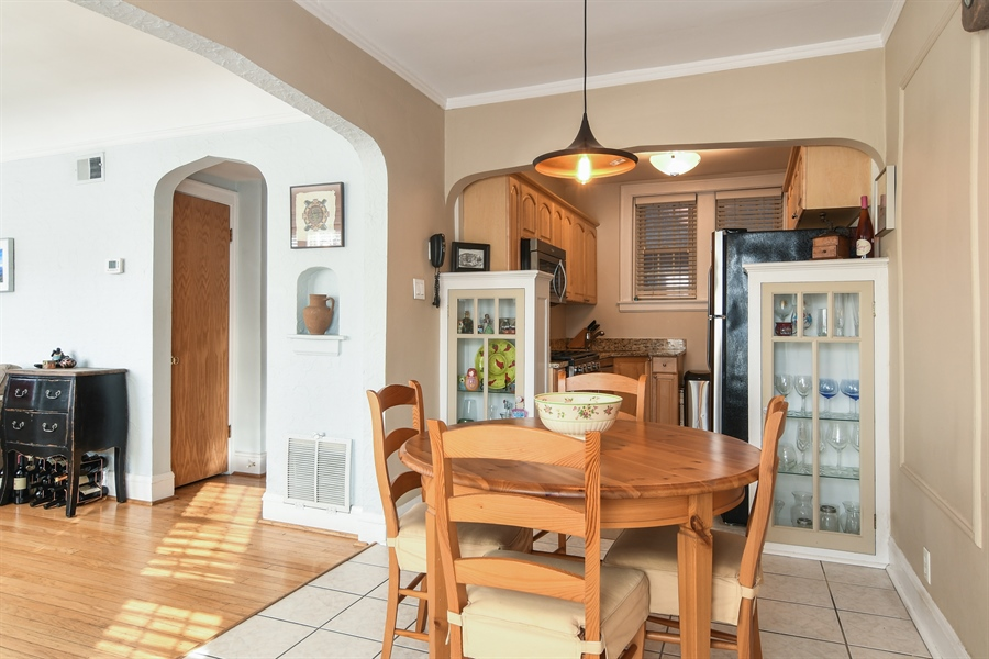 Real Estate Photography - 1956 West Melrose, 2W, Chicago, IL, 60657 - Kitchen / Dining Room