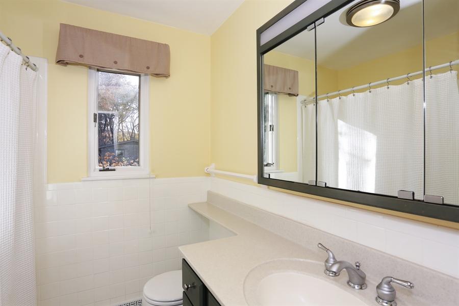 Real Estate Photography - 2724 Highland Court, St. Joseph, MI, 49085 - Bathroom