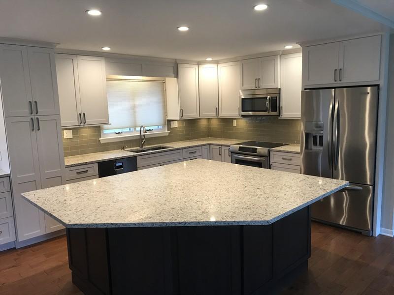 Real Estate Photography - 2724 Highland Court, St. Joseph, MI, 49085 - Kitchen Island