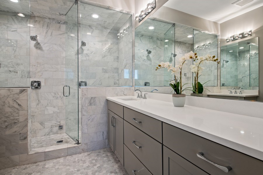 Real Estate Photography - 5061 N. Lincoln Avenue, 1S, Chicago, IL, 60625 - Master Bathroom