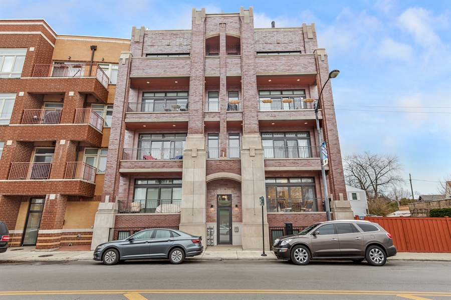 Real Estate Photography - 5061 N. Lincoln Avenue, 1S, Chicago, IL, 60625 - Front View