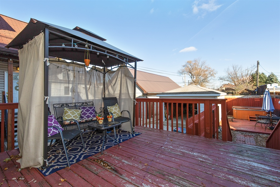 Real Estate Photography - 4059 N Mobile Ave, Chicago, IL, 60634 - Deck